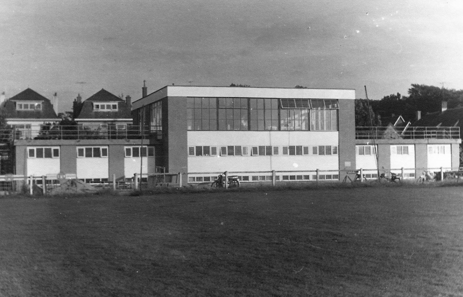 Wilhelmus clubgebouw Oosteinde